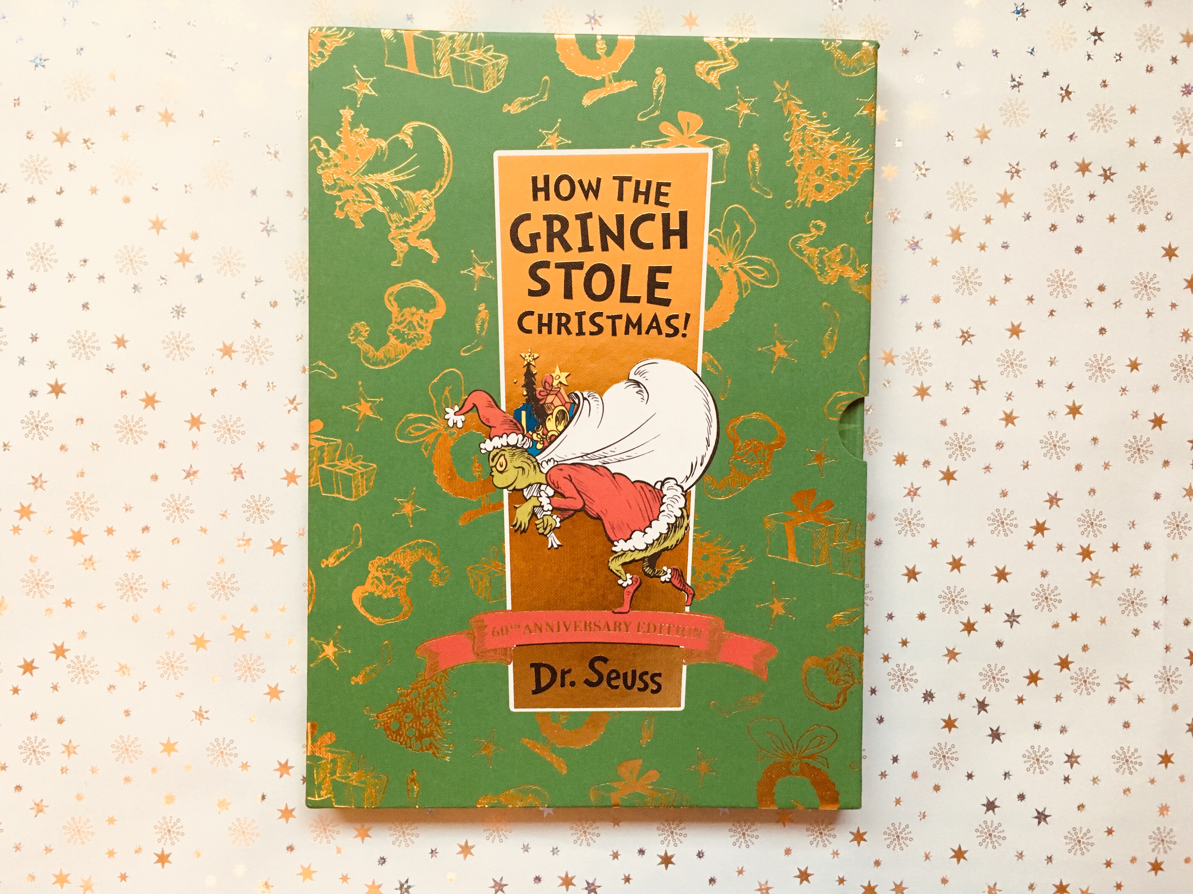 weve picked ten classic books with a festive theme that have timeless appeal and will give parents and grandparents the warm glow of nostalgia as they - Classic Christmas Stories